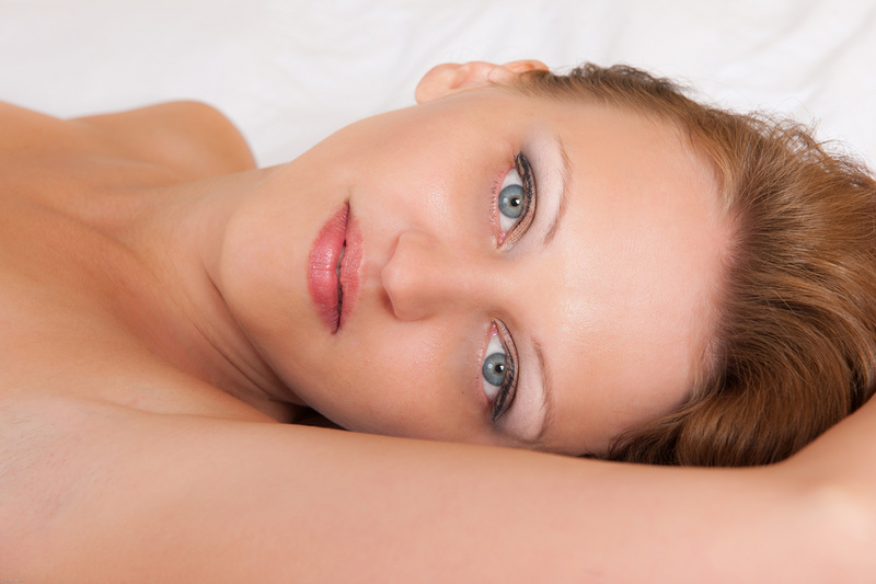 http://photos.modelmayhem.com/photos/130820/17/521406b88464c.jpg