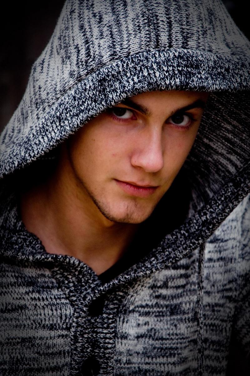 Male model photo shoot of Hoorelbeke Jonas in Bruxelles
