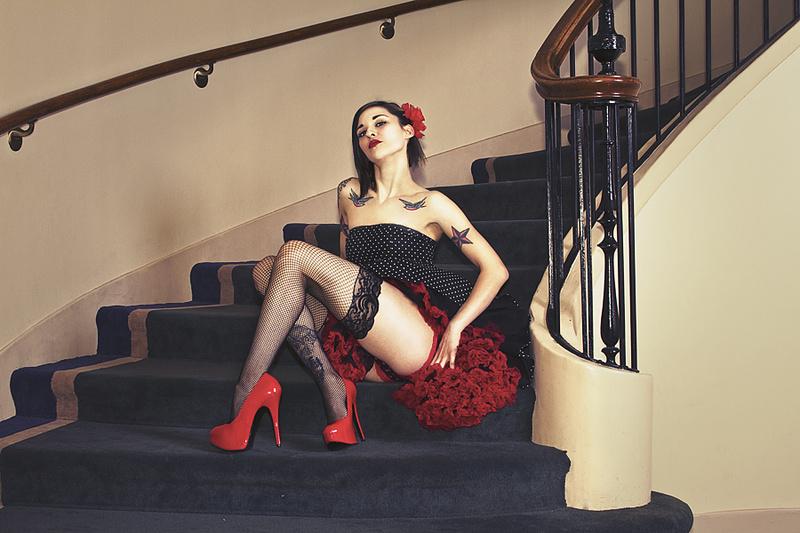 https://photos.modelmayhem.com/photos/130825/22/521aec8274c95.jpg
