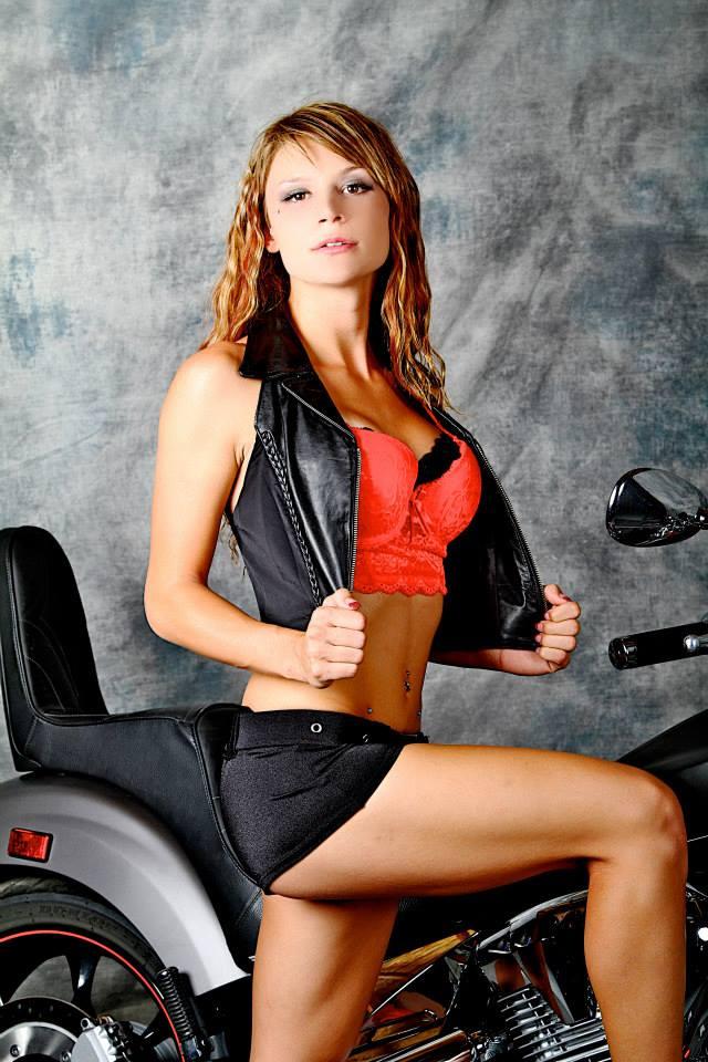 Female model photo shoot of Jazzy Jay21