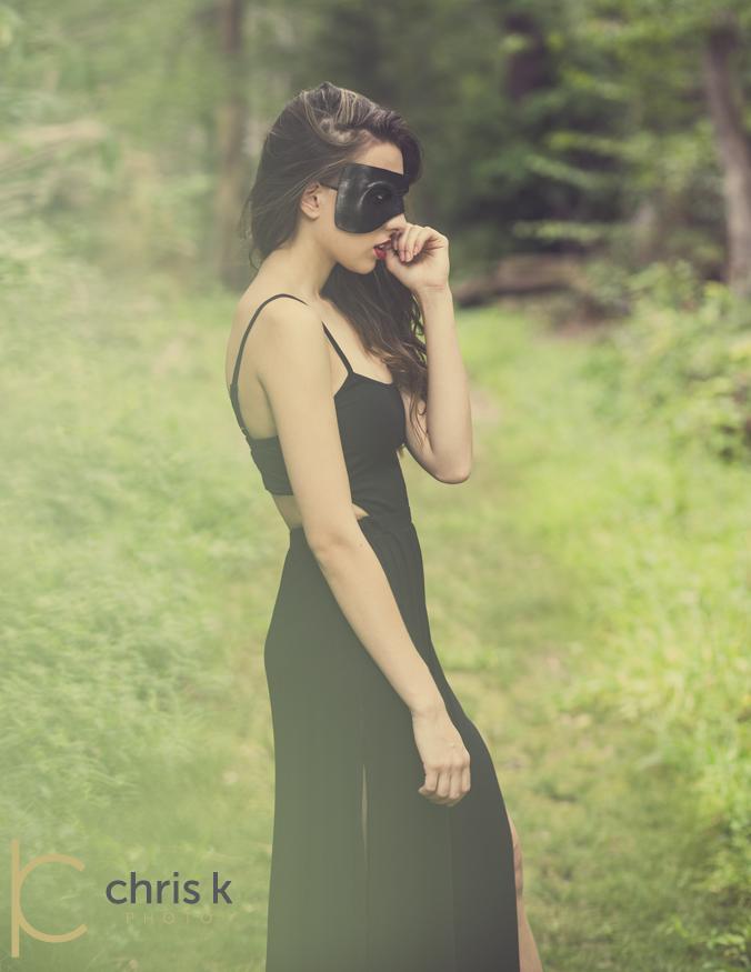 https://photos.modelmayhem.com/photos/130830/04/52207d37e4771.jpg