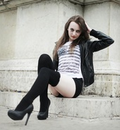 http://photos.modelmayhem.com/photos/130903/08/5225fb0051d84_m.jpg