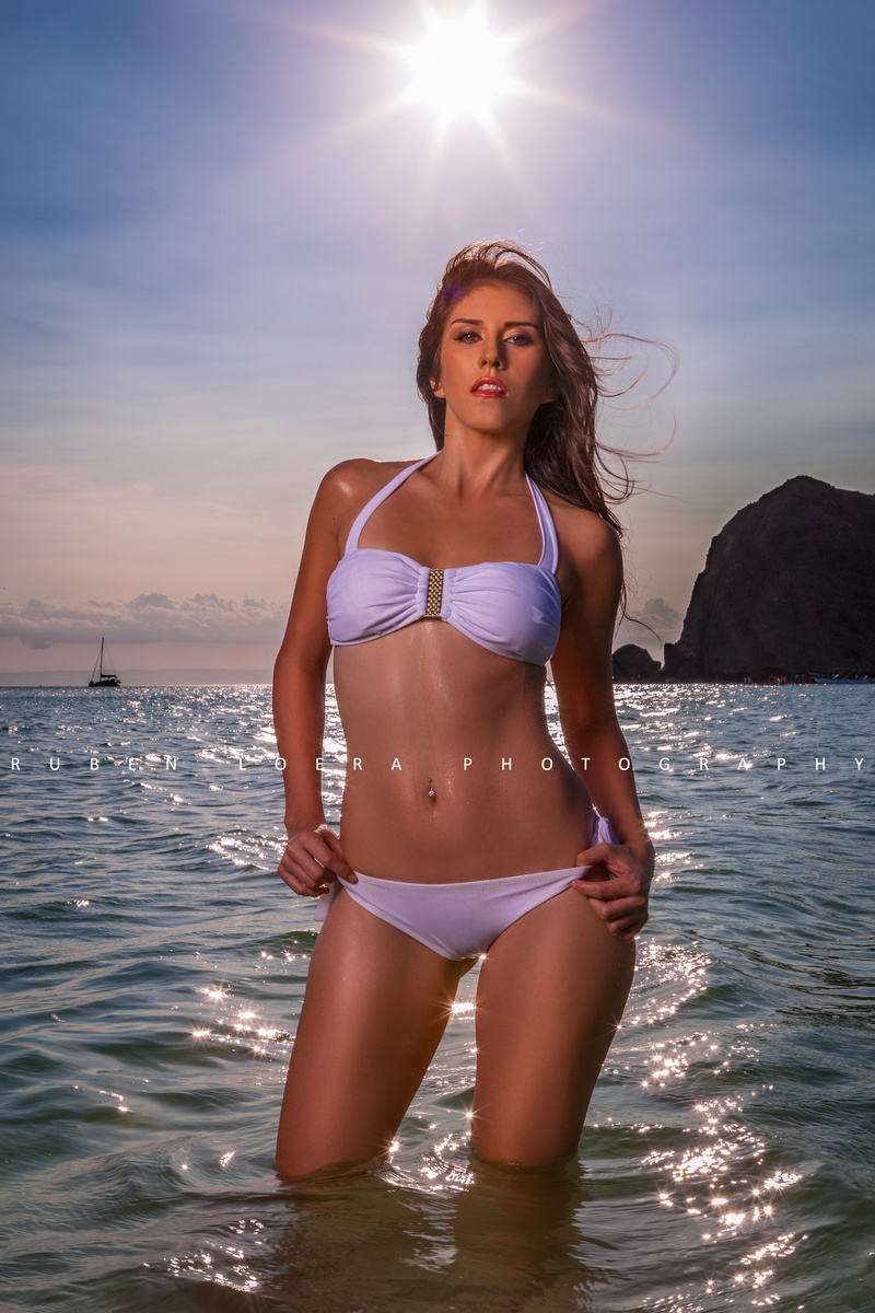 http://photos.modelmayhem.com/photos/130904/18/5227d854ad355.jpg