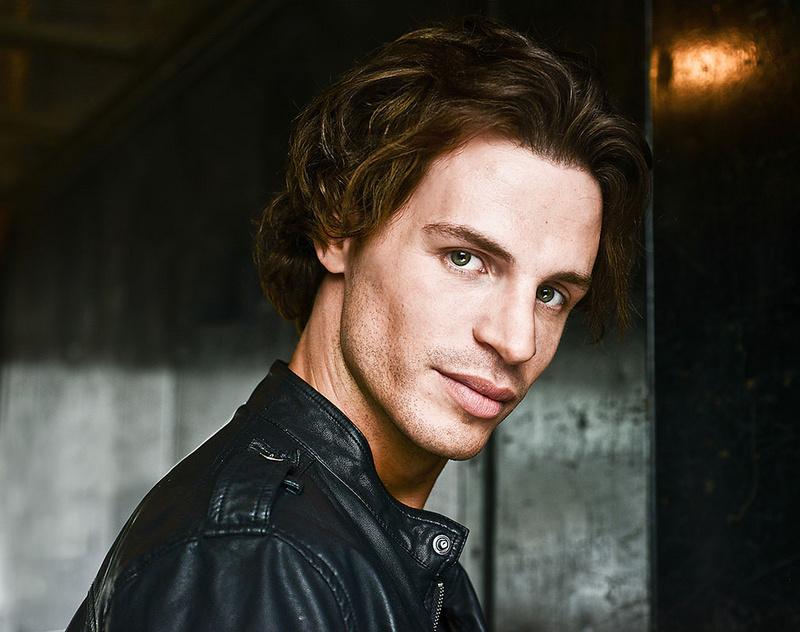 Male model photo shoot of Sean-Michaels