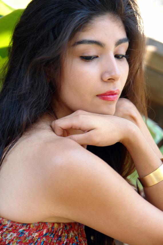 http://photos.modelmayhem.com/photos/130910/18/522fcddbd0ca8.jpg