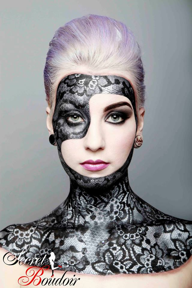 Female model photo shoot of StephZombie