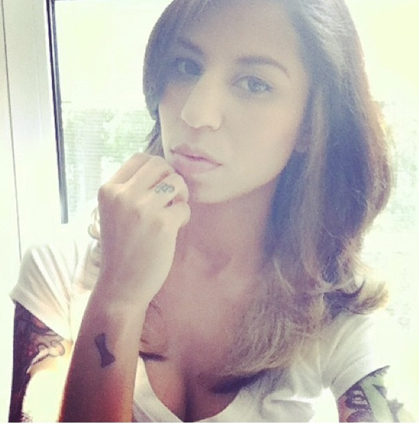 Female model photo shoot of Miss Joanne