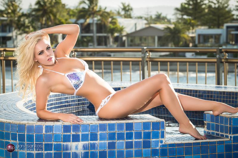 http://photos.modelmayhem.com/photos/130921/20/523e6a4ebc706.jpg