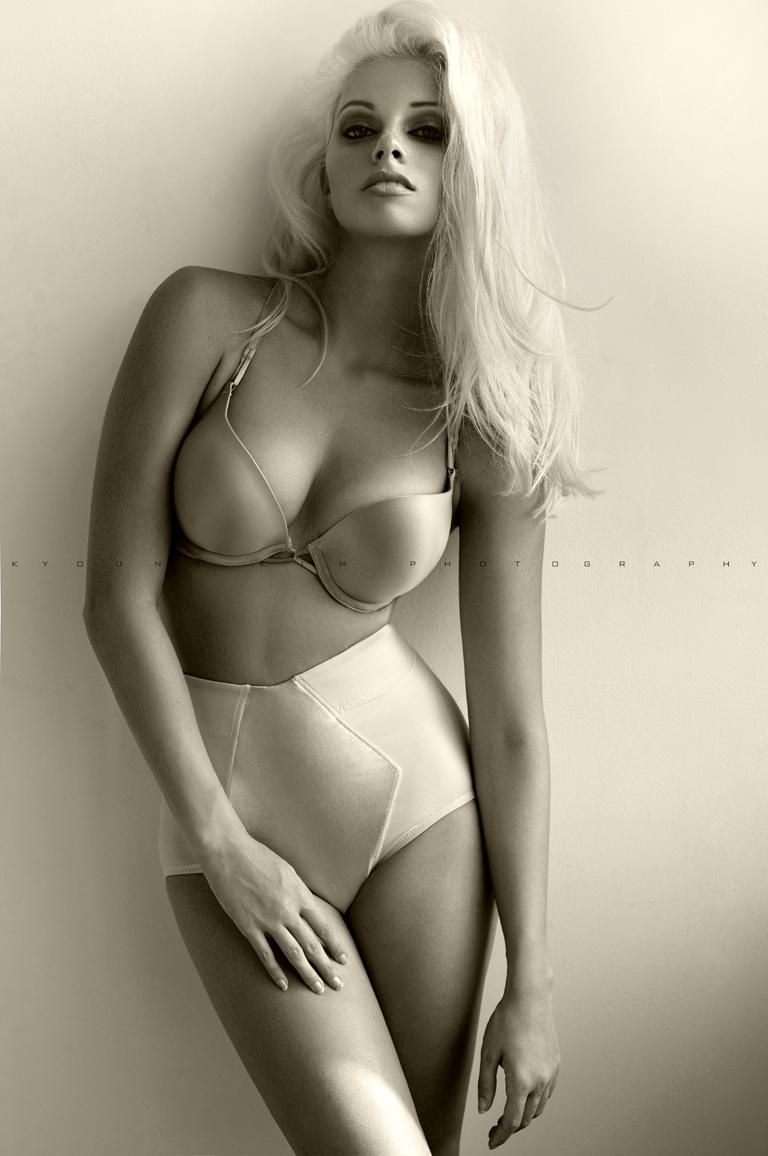 Female model photo shoot of California Dreamer by kyoung Kim