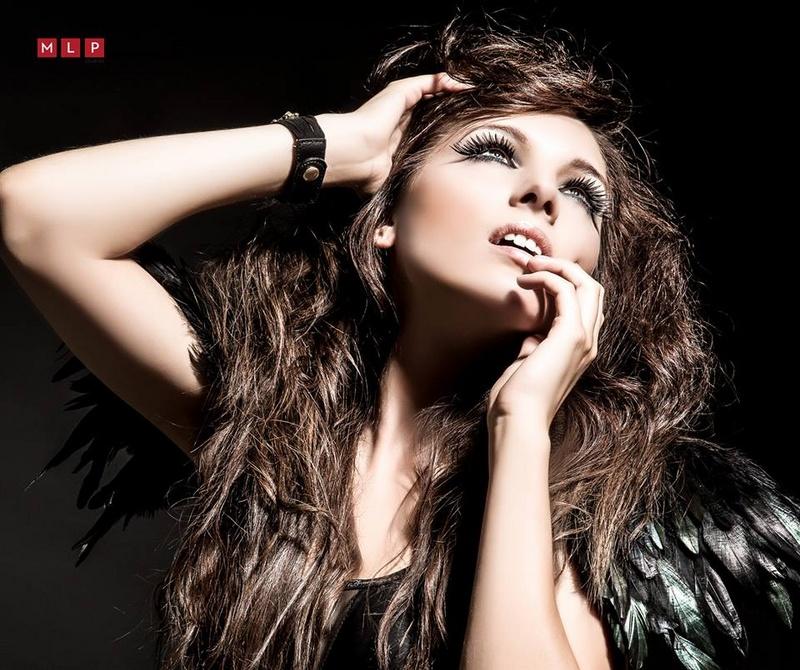 Female model photo shoot of makeupbylizz