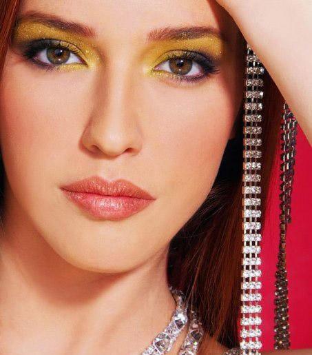 Female model photo shoot of karla morales