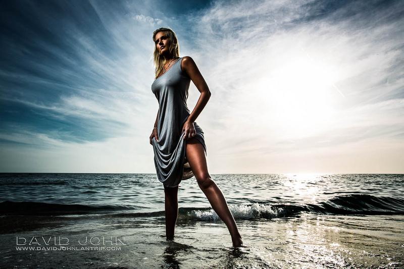 https://photos.modelmayhem.com/photos/130928/13/52473a03c9443.jpg