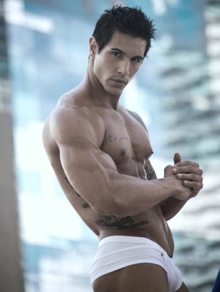 Male Sight Photography of  Alan Valdez 26 years old from Miami, Florida, US