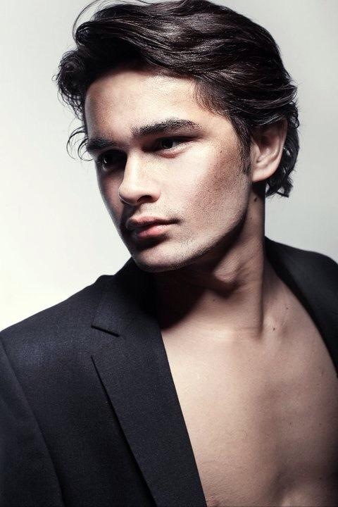Male model photo shoot of Oliver Harbuck