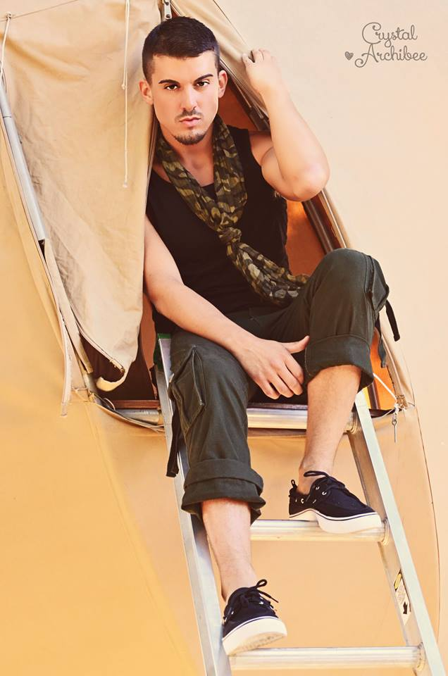 Male model photo shoot of Benjamin Walz