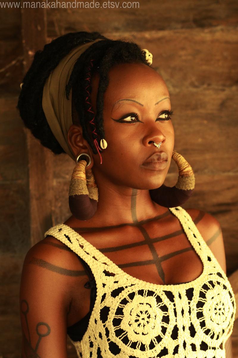 Female model photo shoot of Manaka Voodoo Fairy