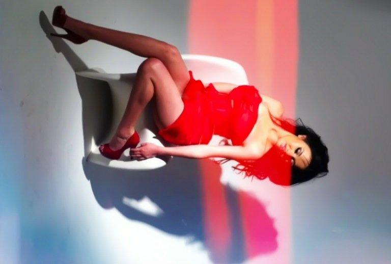 Female model photo shoot of MissMarilynn