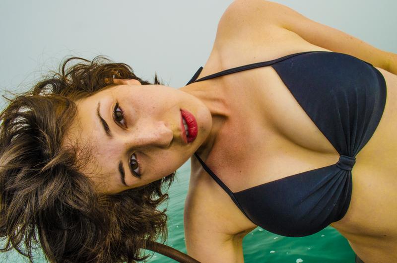http://photos.modelmayhem.com/photos/131003/22/524e56fa7ce20.jpg