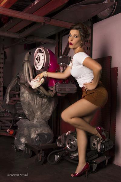 Female model photo shoot of Dianna Wayne