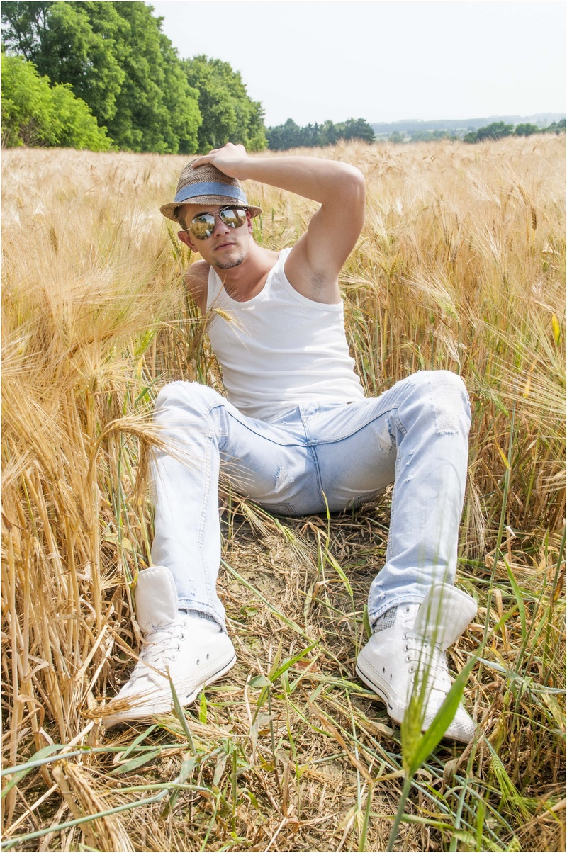 Male model photo shoot of Hoorelbeke Jonas in Sint-Joris-Winge (BE)