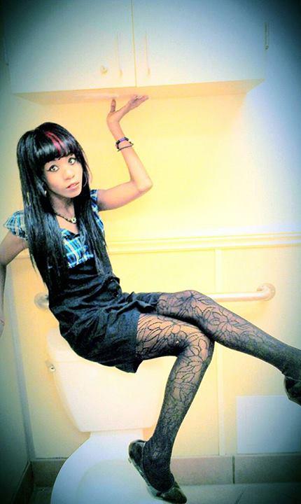 Female model photo shoot of MissLizzyGore