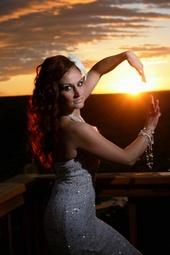 http://photos.modelmayhem.com/photos/131015/20/525e0e4f995e3_m.jpg