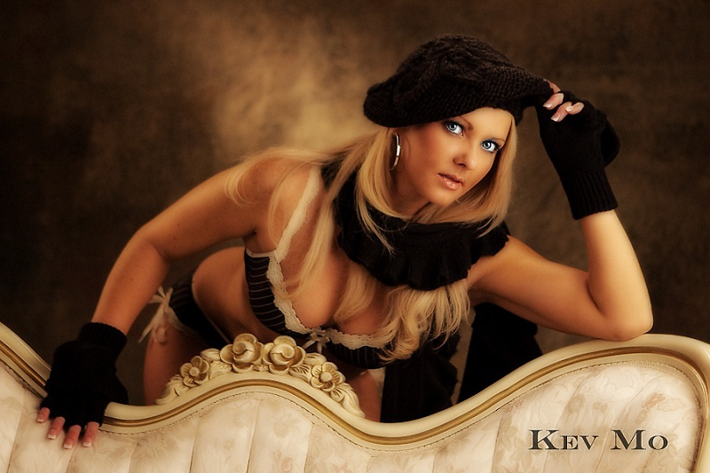 http://photos.modelmayhem.com/photos/131019/19/52633cf3d8583.jpg