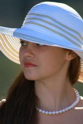 http://photos.modelmayhem.com/photos/131028/22/526f412ee6568_m.jpg