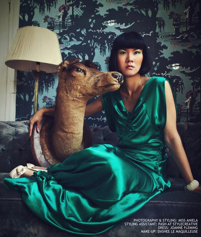 Female model photo shoot of Dashee La Maquilleuse