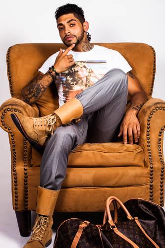 Male model photo shoot of Yonaivy