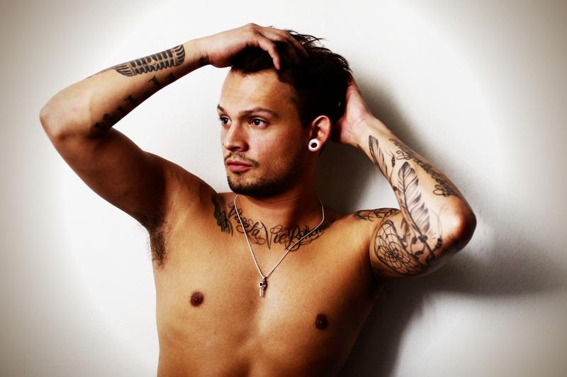 Male model photo shoot of Vin Estrada by gimikero