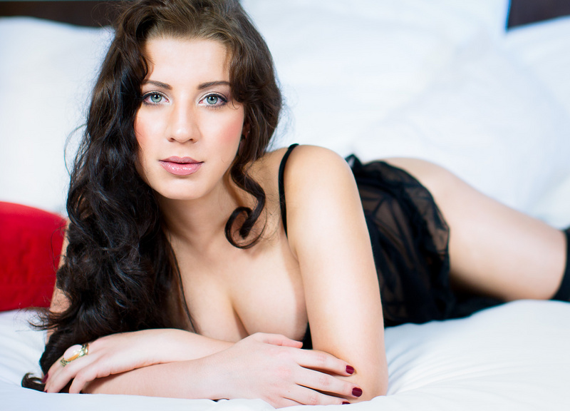 Female model photo shoot of Teressa Bizarre Noire
