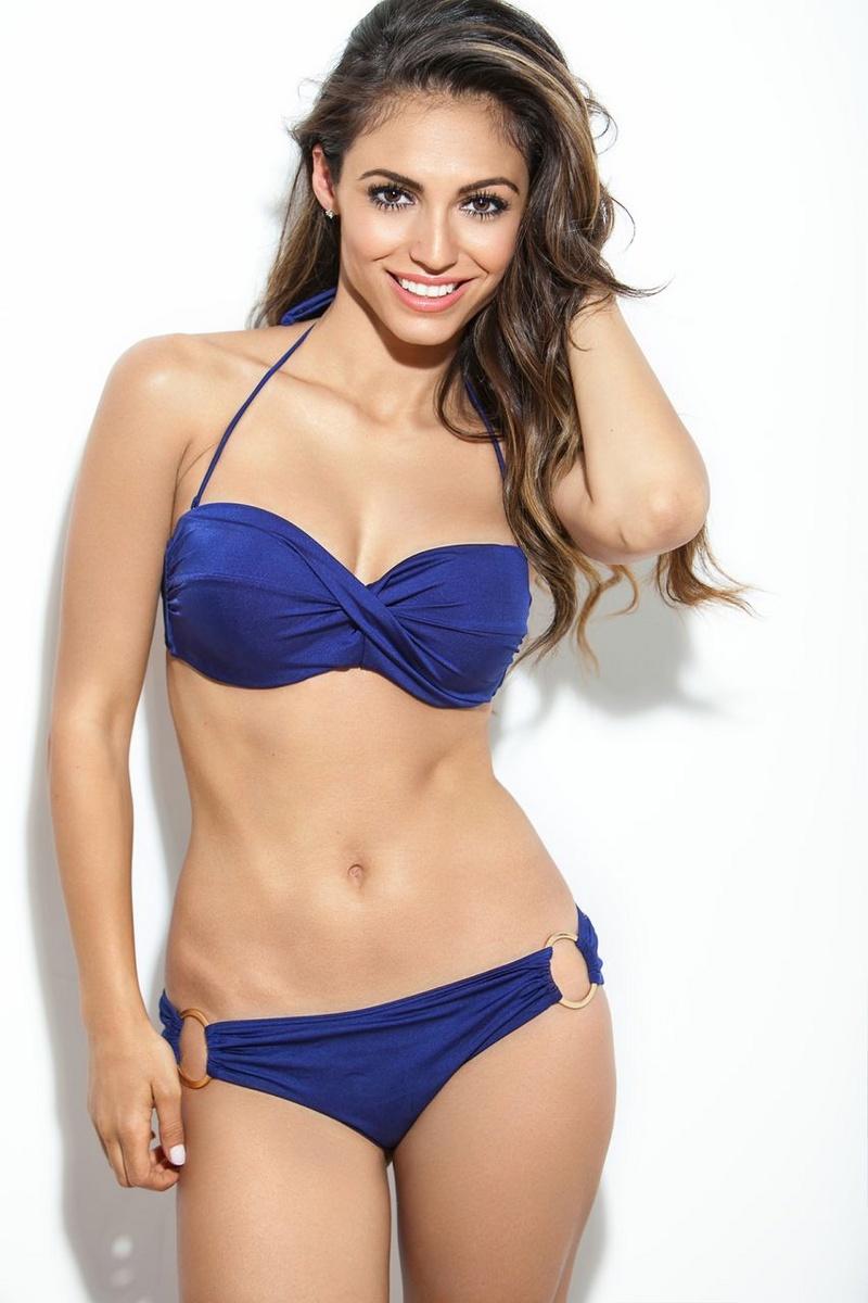 Female model photo shoot of Alissa Jo