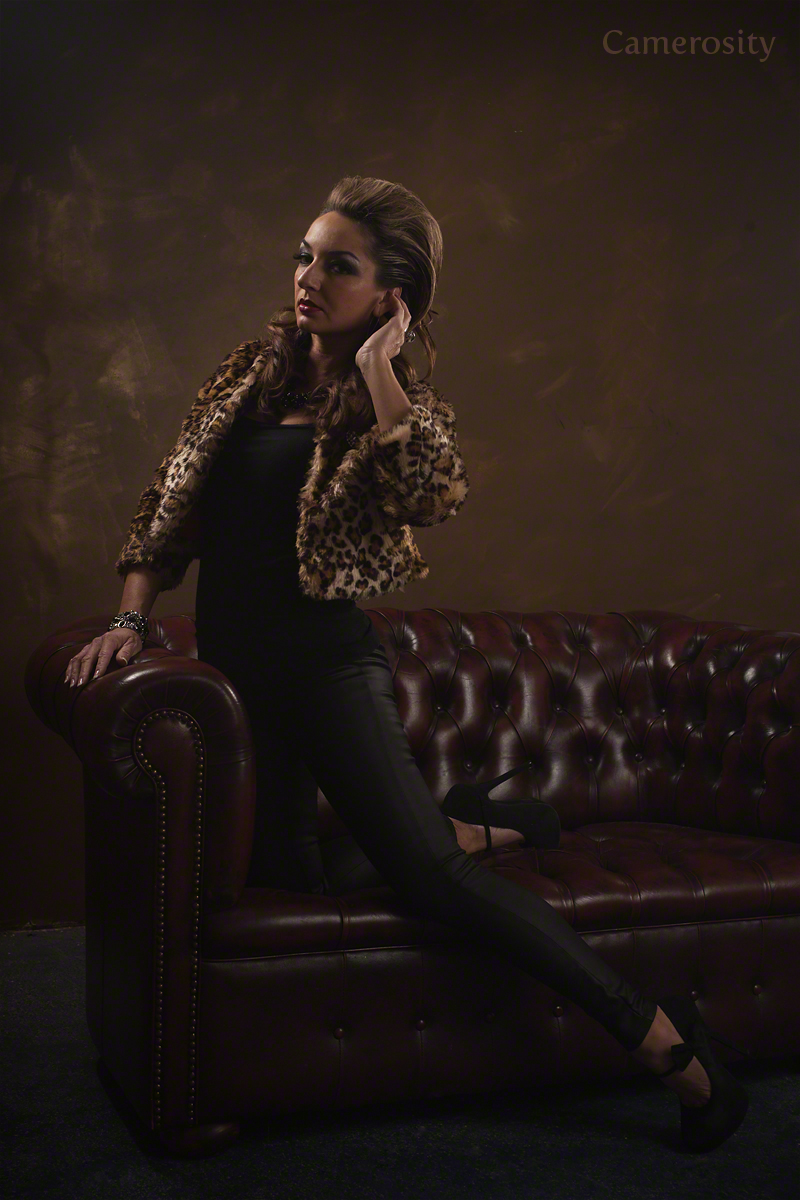 https://photos.modelmayhem.com/photos/131120/20/528d8f904725c.jpg