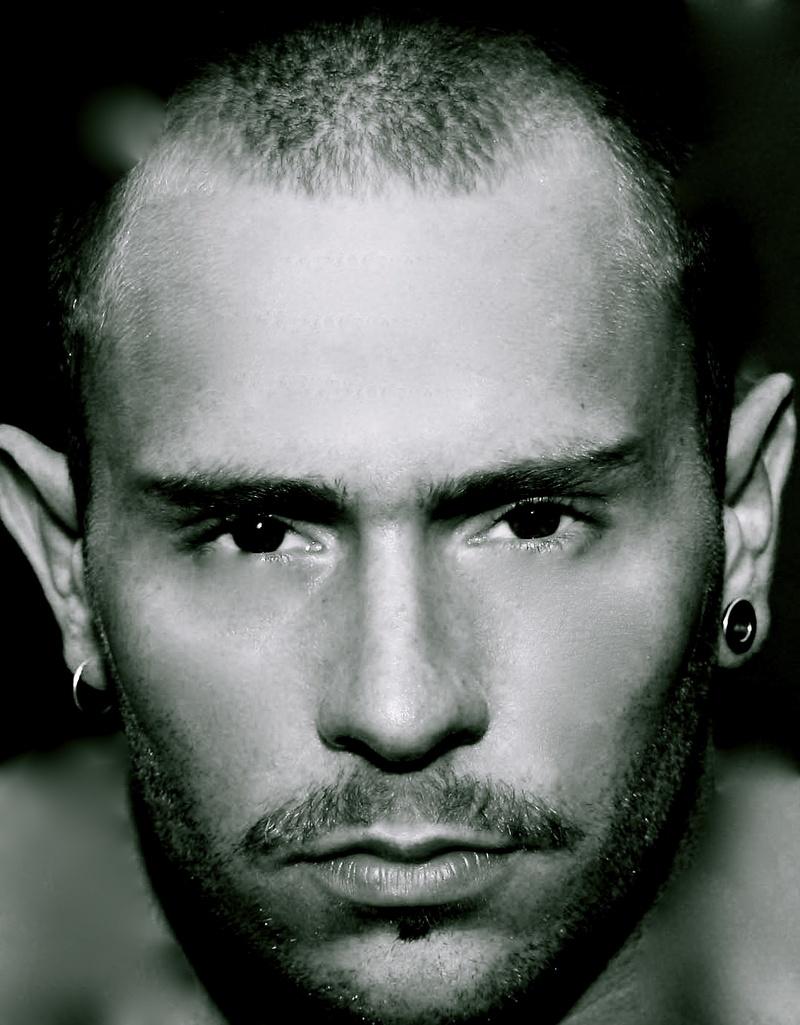 Male model photo shoot of Shaun Capewell
