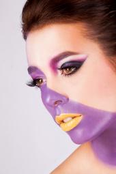 http://photos.modelmayhem.com/photos/131126/16/529540fcbd8e6_m.jpg
