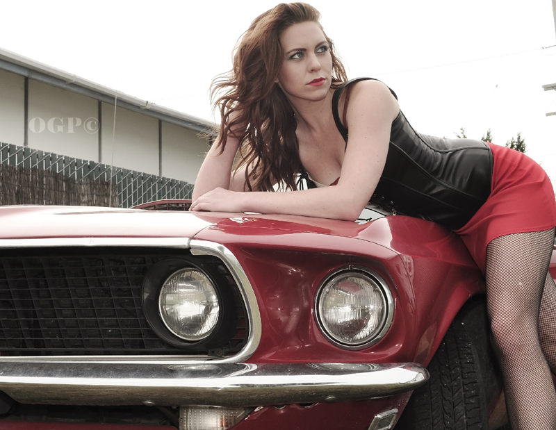 Female model photo shoot of Sara Bell by OrganicGraphic Photos
