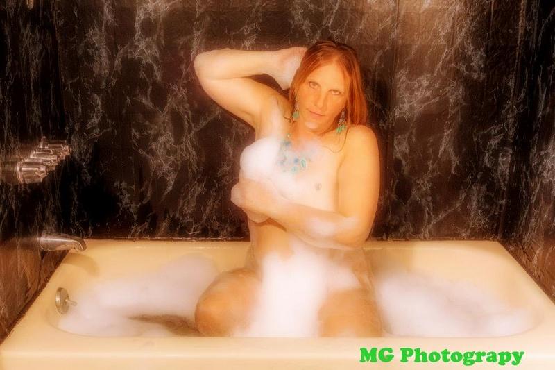 Female model photo shoot of Lisa Felicia