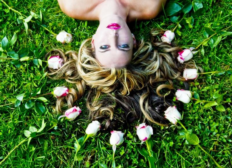 Female model photo shoot of Caroline Kilianski
