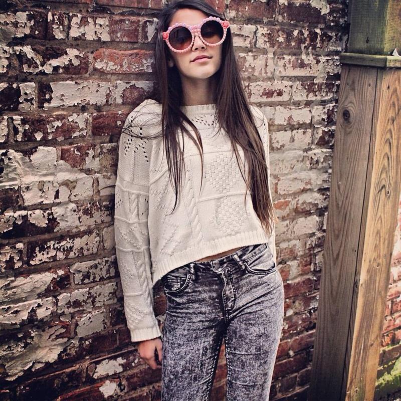 Female model photo shoot of Prissylilyco