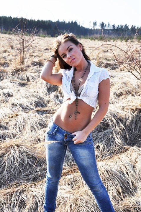 Female model photo shoot of Jolie Licious
