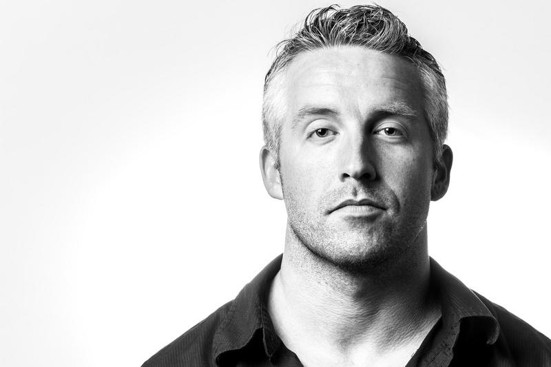 Male model photo shoot of ShowingSnap