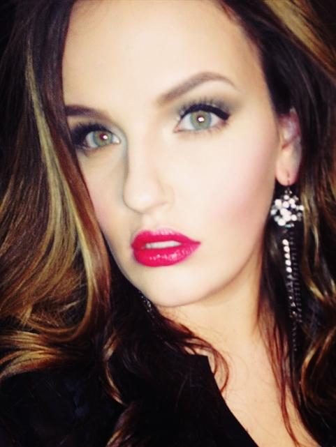 Jan 02, 2014 Jessicaruger22 Pinup look- matte eye, winged eye liner, red lipstick
