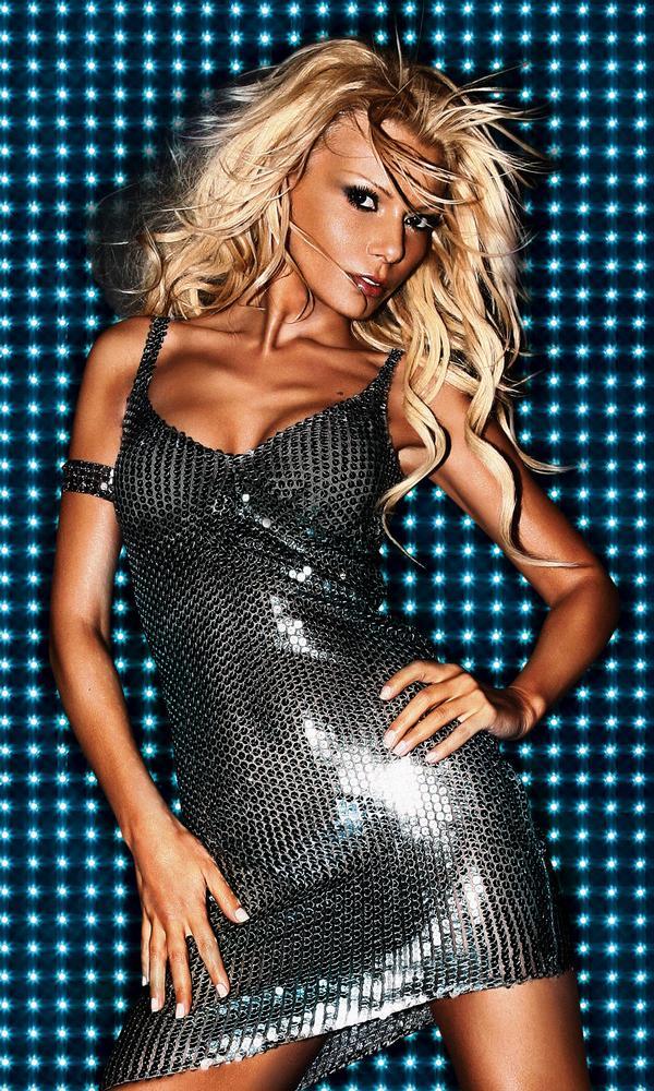 Female model photo shoot of best model 2014