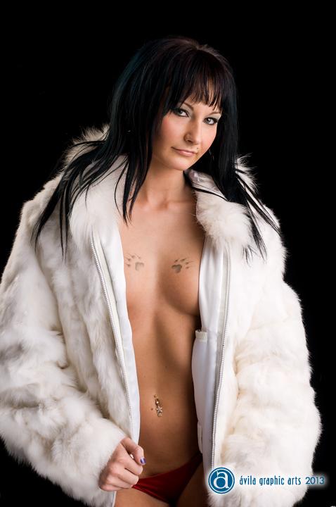 Female model photo shoot of Parlequin