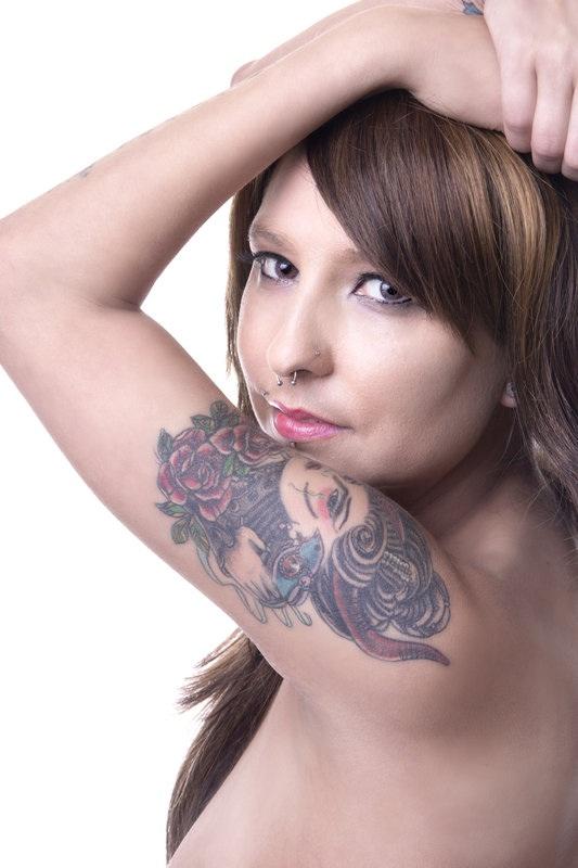 Female model photo shoot of Nikki Vicious