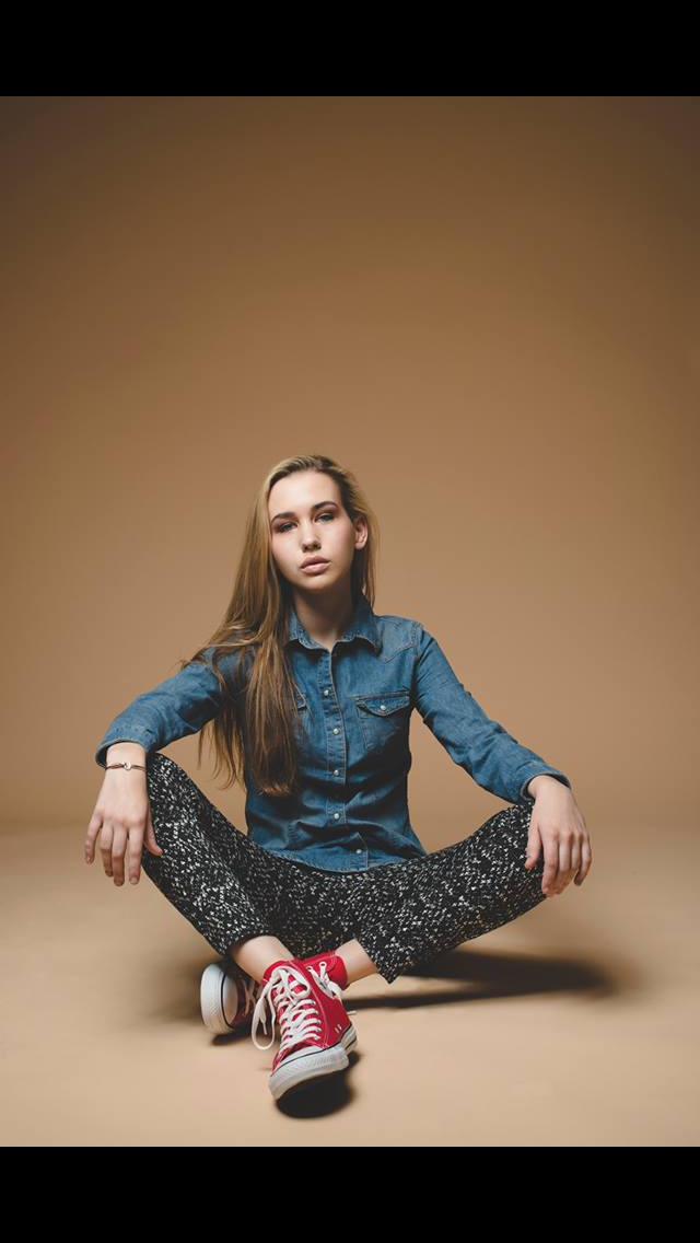 Female model photo shoot of Renee Ryans