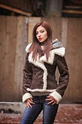 http://photos.modelmayhem.com/photos/140115/16/52d72cf0aed99_m.jpg