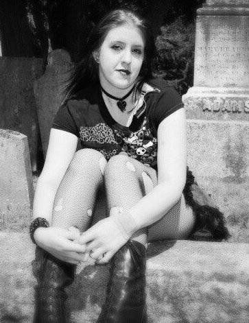 Female model photo shoot of Belle Louve in Biddeford, ME
