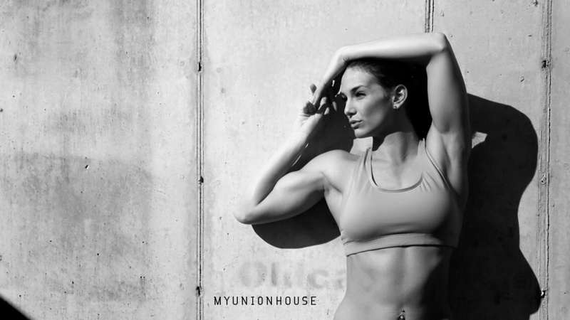 Female model photo shoot of Miki Wingle in Sarasota FL